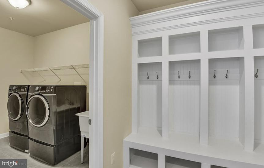 MUDROOM OFFERS BUILT INS AND WASHER & DRYER - 908 HOLDEN ROAD, FREDERICK