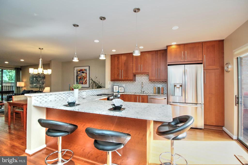 Kitchen looking from family seating area - 2031 LAKEWINDS DR, RESTON
