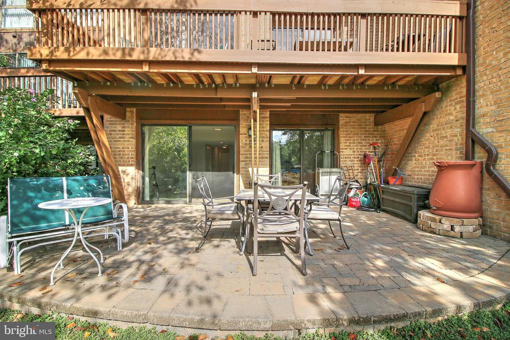 Lower level patio - 2031 LAKEWINDS DR, RESTON