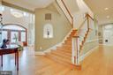Elegant stairway - 40843 ROBIN CIR, LEESBURG