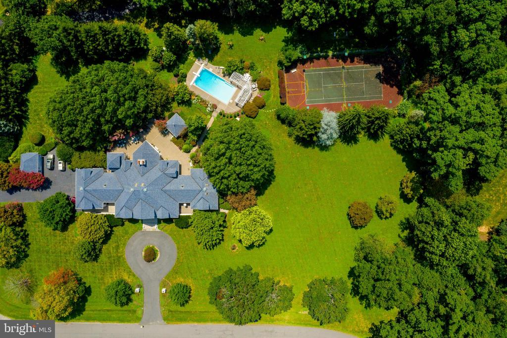 View of home, pool and tennis courts - 40843 ROBIN CIR, LEESBURG