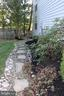 Side path - 25272 RIPLEYS FIELD DR, CHANTILLY