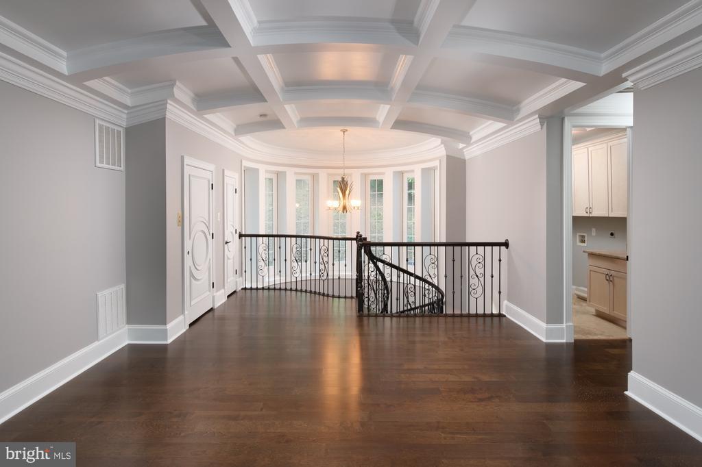 Second floor balcony - 8746 BROOK RD, MCLEAN