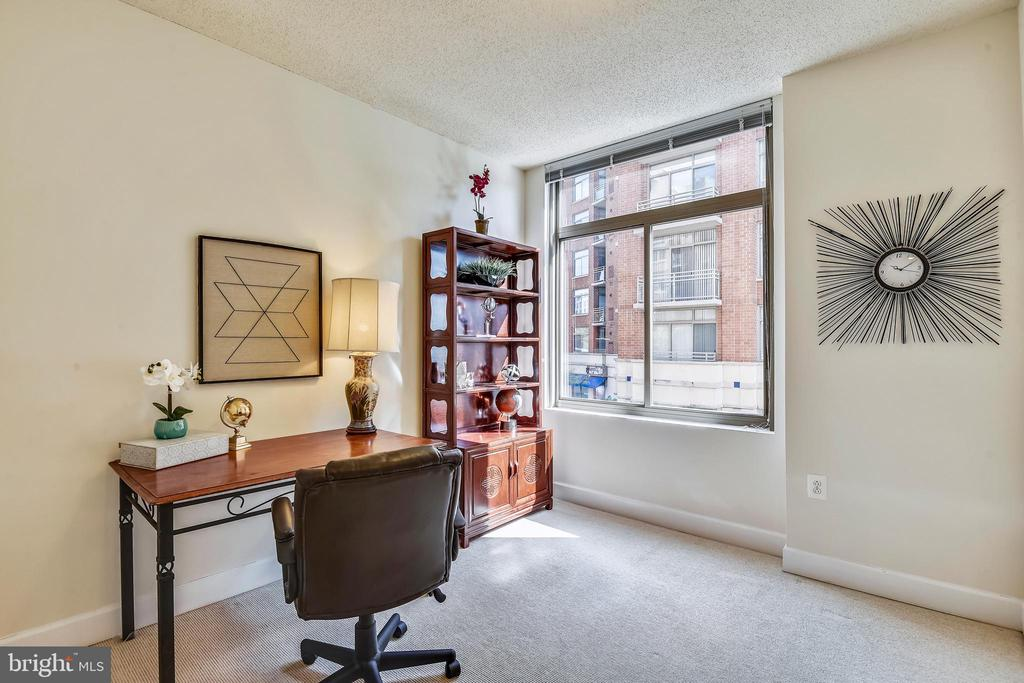 Large 2nd Bedroom has great light as well! - 3600 S GLEBE RD #222W, ARLINGTON