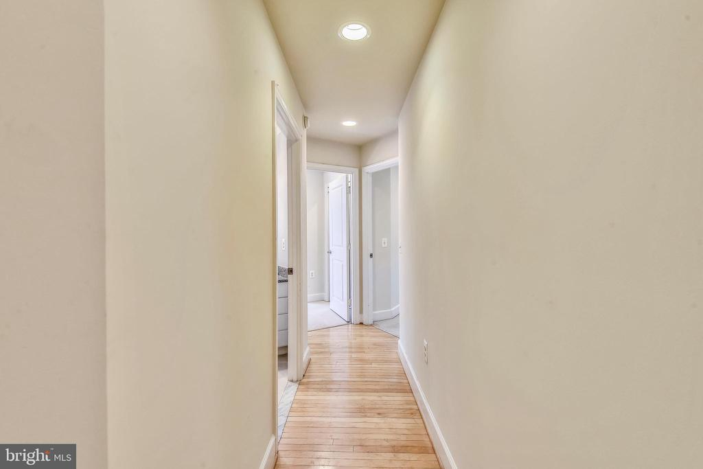 Bedrooms are well separated from Common Area! - 3600 S GLEBE RD #222W, ARLINGTON
