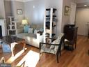 Sunny and Bright - 1201 N GARFIELD ST #507, ARLINGTON