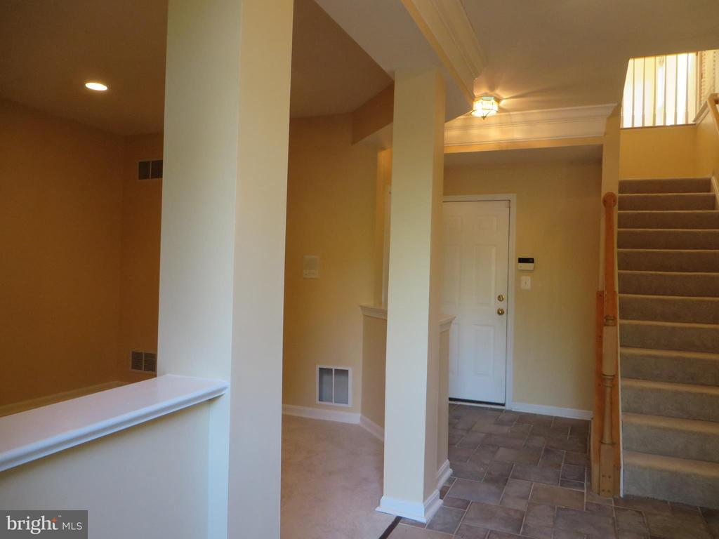 ENTRY FOYER FROM GROUND FLOOR - 336 CAMERON STATION BLVD, ALEXANDRIA