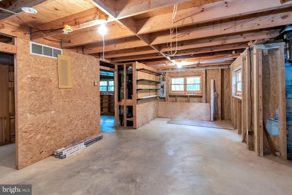 Partially finished basement - 903 EASTOVER PKWY, LOCUST GROVE