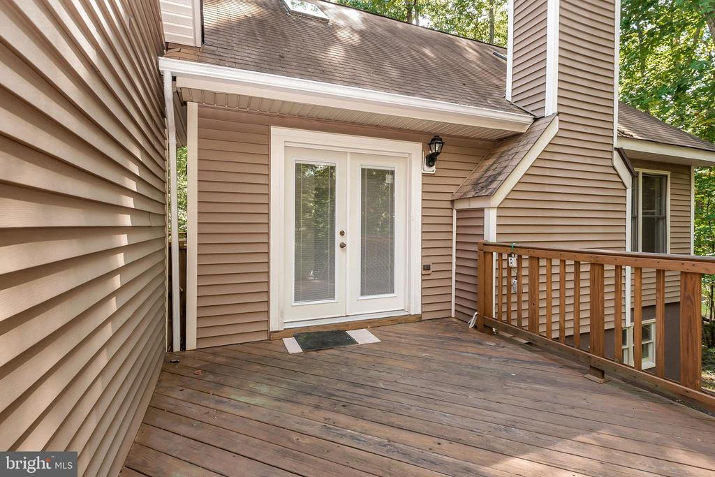 entrance deck to 903 Eastover Pkwy - 903 EASTOVER PKWY, LOCUST GROVE