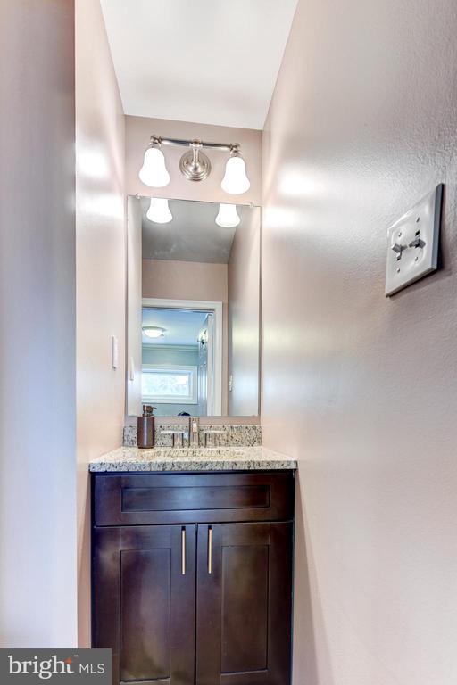 Powder Room - 1849 N UHLE ST #1, ARLINGTON