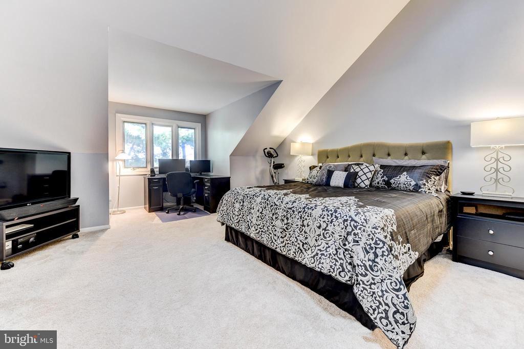 Large owners suite - 1849 N UHLE ST #1, ARLINGTON