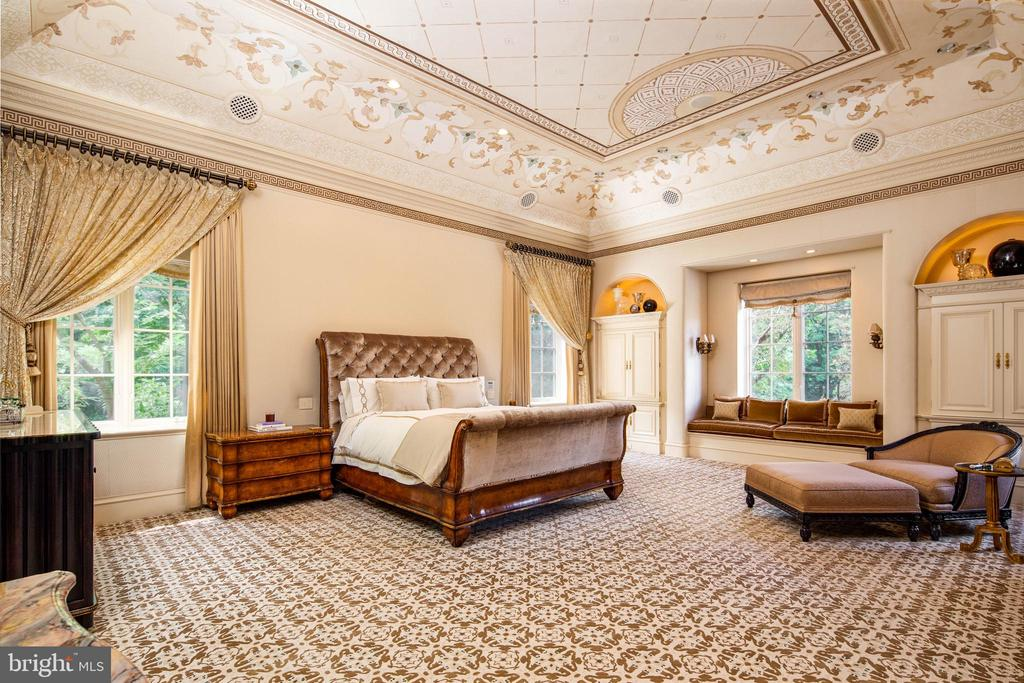 Master Suite- vaulted ceiling and exquisite detail - 733 N SPRING MILL RD, VILLANOVA