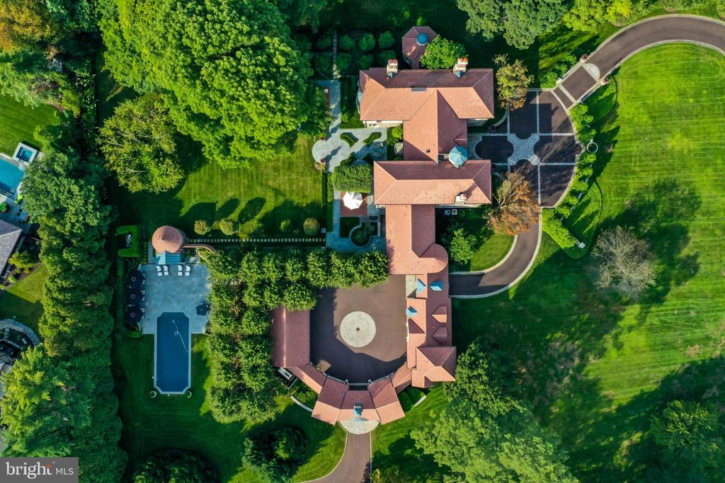 Overhead of this magnificent property - 733 N SPRING MILL RD, VILLANOVA