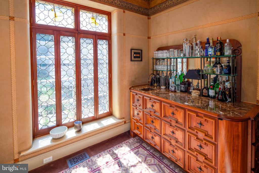Leaded glass windows & custom wet bar - 733 N SPRING MILL RD, VILLANOVA