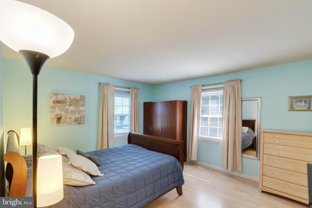 Master Bedroom - 9083 ANDROMEDA DR, BURKE