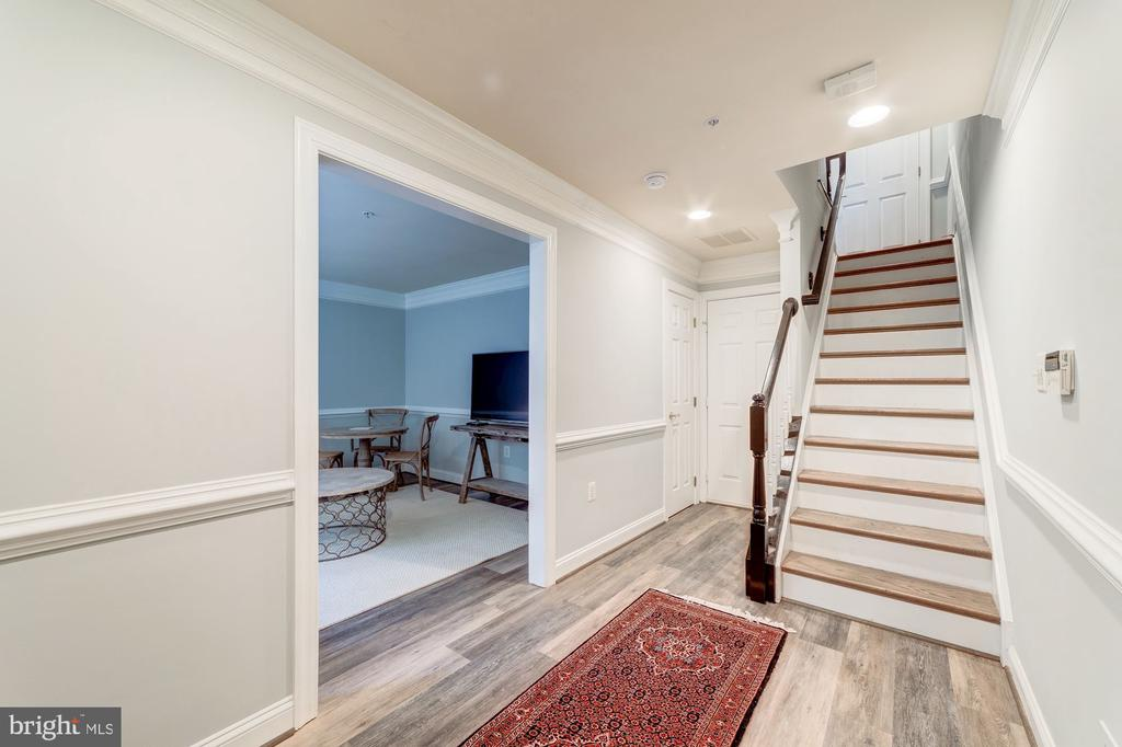 Foyer with den/home office - 5326 43RD ST NW, WASHINGTON
