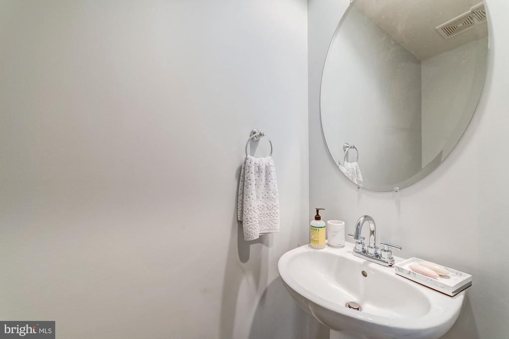 Half bath on main level - 5326 43RD ST NW, WASHINGTON