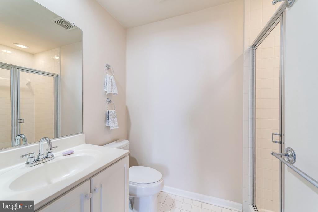 Full bath for upper level loft - 5326 43RD ST NW, WASHINGTON