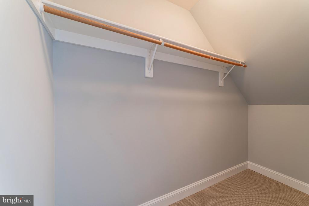Loads of closet space in loft! - 5326 43RD ST NW, WASHINGTON