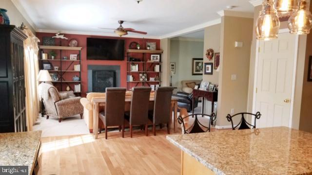 family room off kitchen - 9355 DEVILBISS BRIDGE RD, WALKERSVILLE