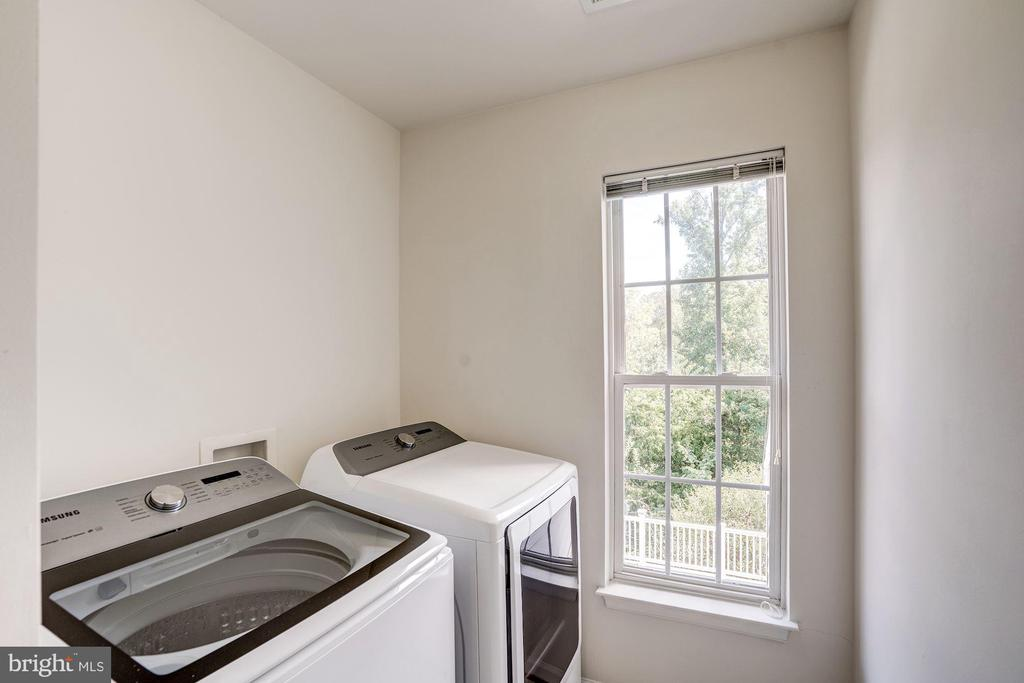 Seperate Laundry Room - 5675 CLOUDS MILL DR, ALEXANDRIA
