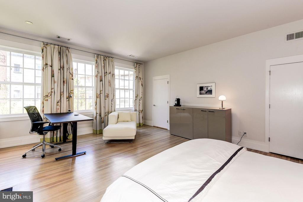 Second Bedroom Suite - 2019 R ST NW, WASHINGTON