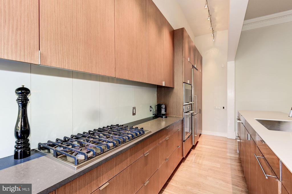 Kitchen - 2019 R ST NW, WASHINGTON