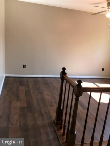 LIVING ROOM WITH NEW LAMINATE FLOOR - 11504 GORDON RD, FREDERICKSBURG