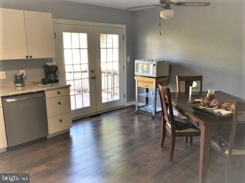 KITCHEN WITH NEW LAMINATE FLOORING - 11504 GORDON RD, FREDERICKSBURG