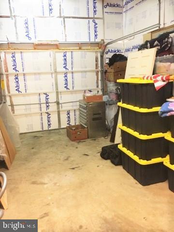 GARAGE WITH INSULATION - 11504 GORDON RD, FREDERICKSBURG