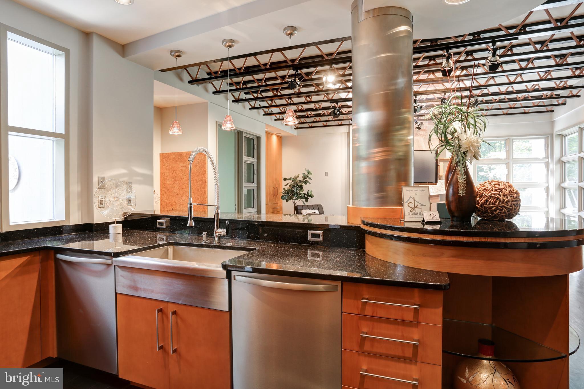 and dual dishwashers.