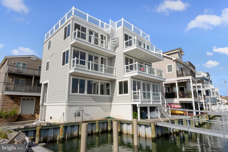 Single Family Homes för Försäljning vid Wildwood, New Jersey 08260 Förenta staterna