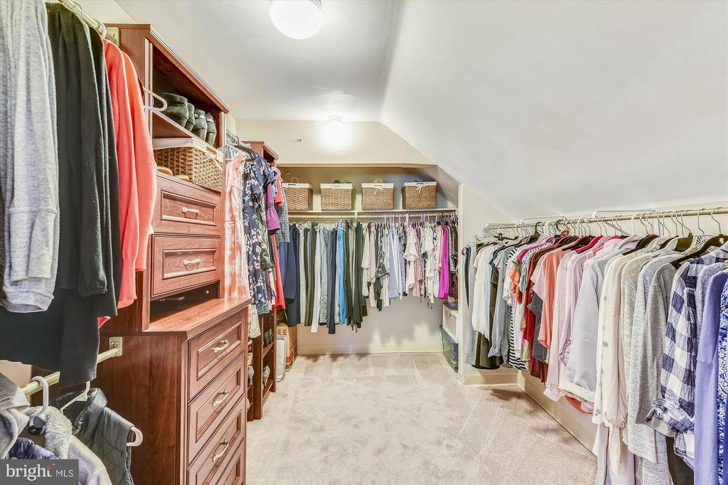 Large closet with upstairs bedroom. - 9520 LEEMAY ST, VIENNA
