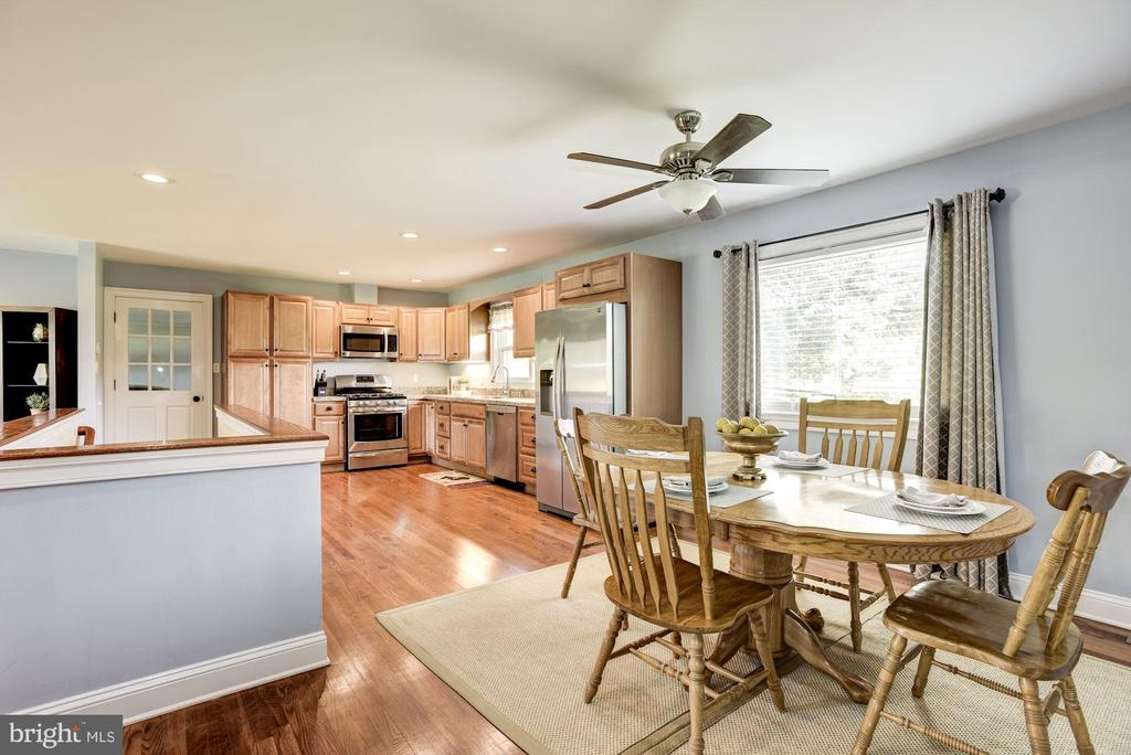 Convenient for everyone to be together - 20772 GLEEDSVILLE RD GLEEDSVILLE RD, LEESBURG