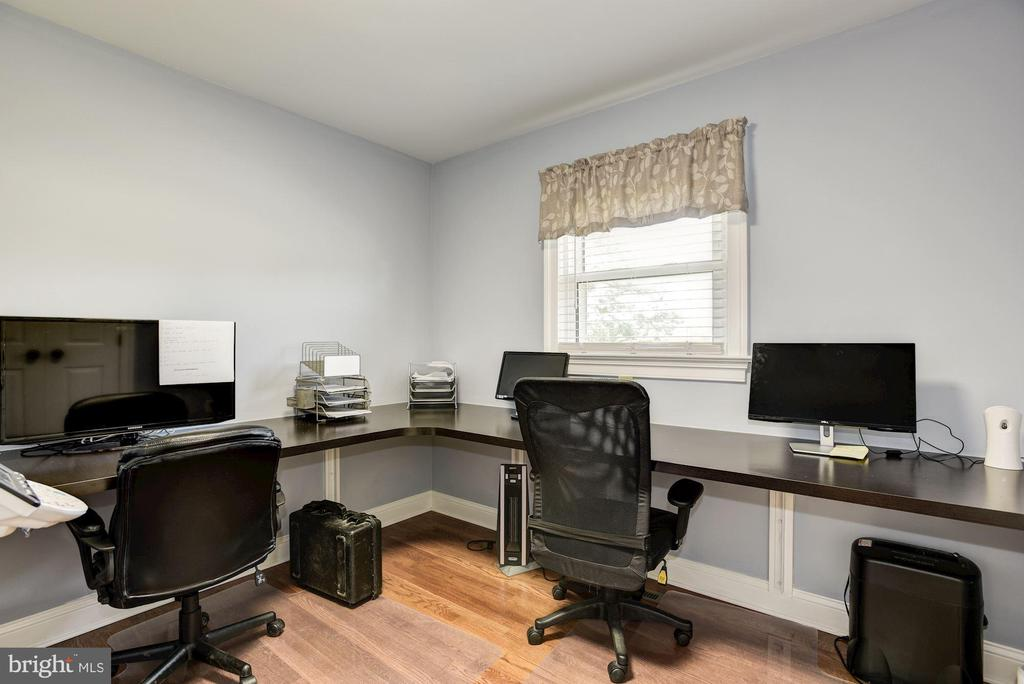 Third bedroom is full office for 2 - 20772 GLEEDSVILLE RD GLEEDSVILLE RD, LEESBURG