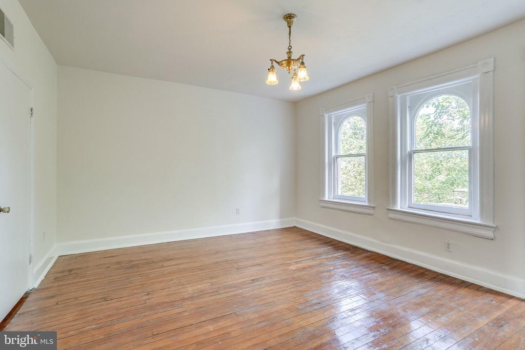 Third floor Front Bedroom with Balcony - 1306 EUCLID ST NW, WASHINGTON