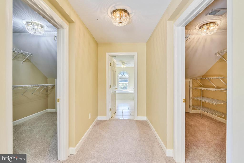 TWO LARGE DOUBLE WALK-IN CLOSETS - 39278 KARLINO CT, HAMILTON