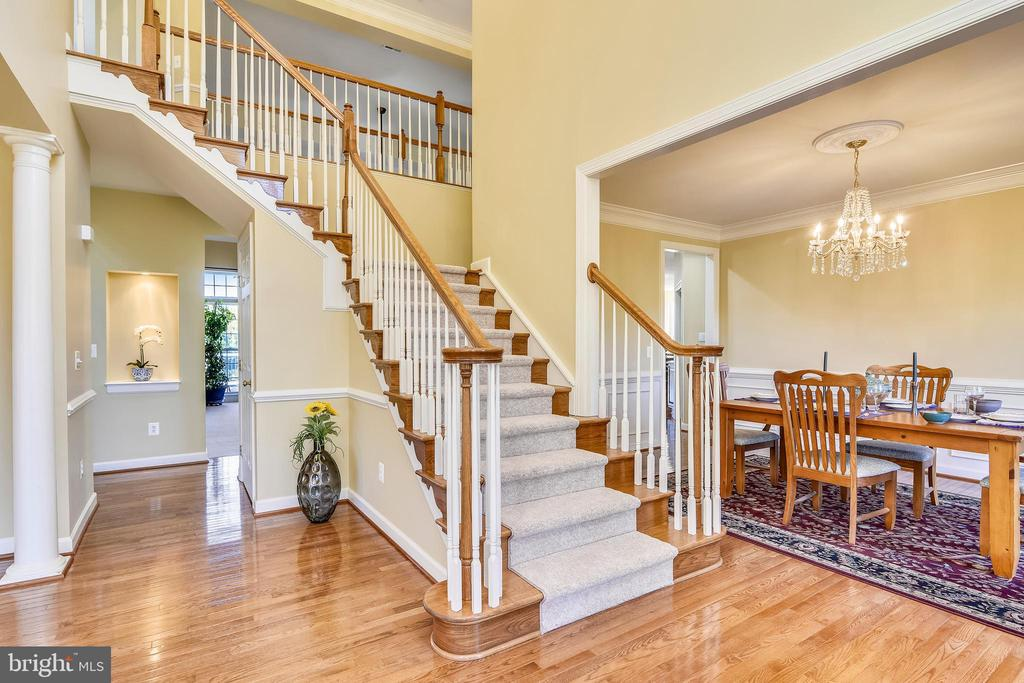 Well designed home has an easy flow. - 39278 KARLINO CT, HAMILTON