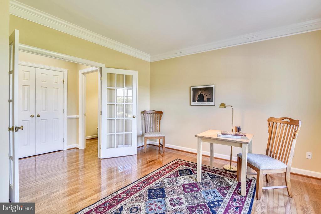 Home office w/ 15 light French doors. - 39278 KARLINO CT, HAMILTON