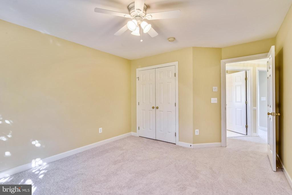 All bedrooms have ceiling fans - 39278 KARLINO CT, HAMILTON