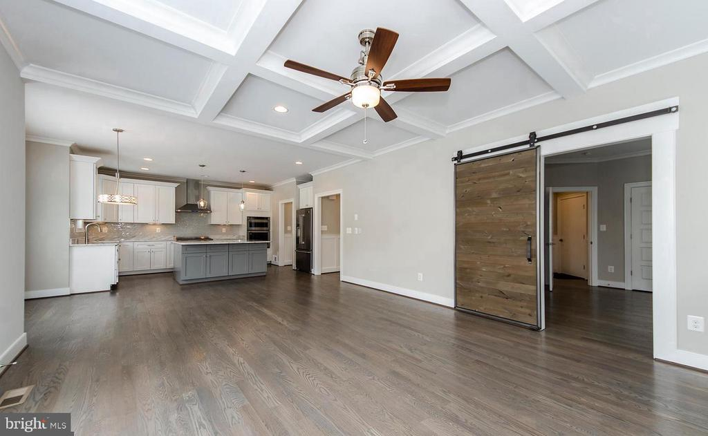Family Room open plan to Large Gourmet Kitchen - 7534 LISLE AVE, FALLS CHURCH