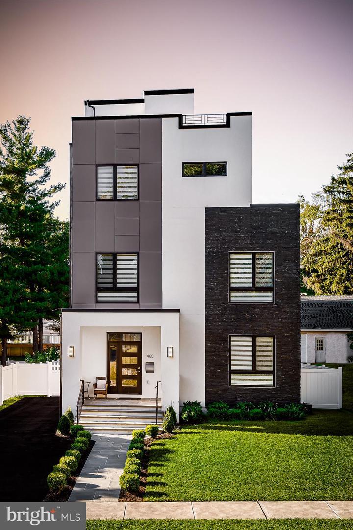 Philadelphia                                                                      , PA - $995,000