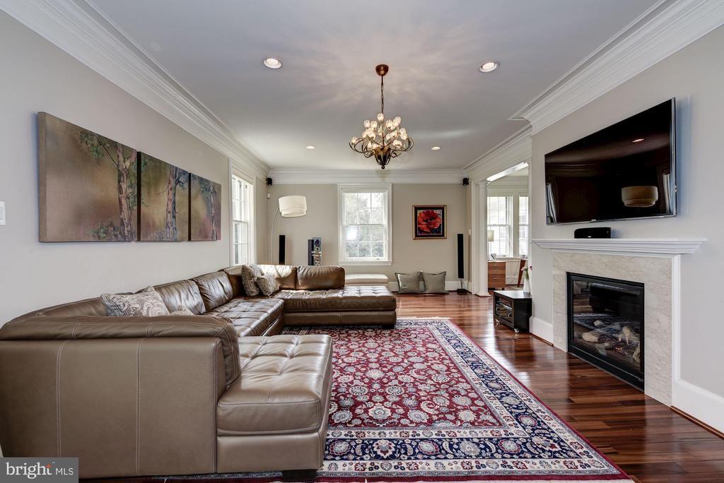 Great room. - 3 BULLARD CIR, ROCKVILLE