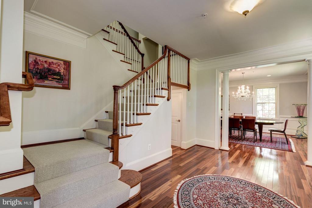 Stunningly rich hardwood floors - 3 BULLARD CIR, ROCKVILLE