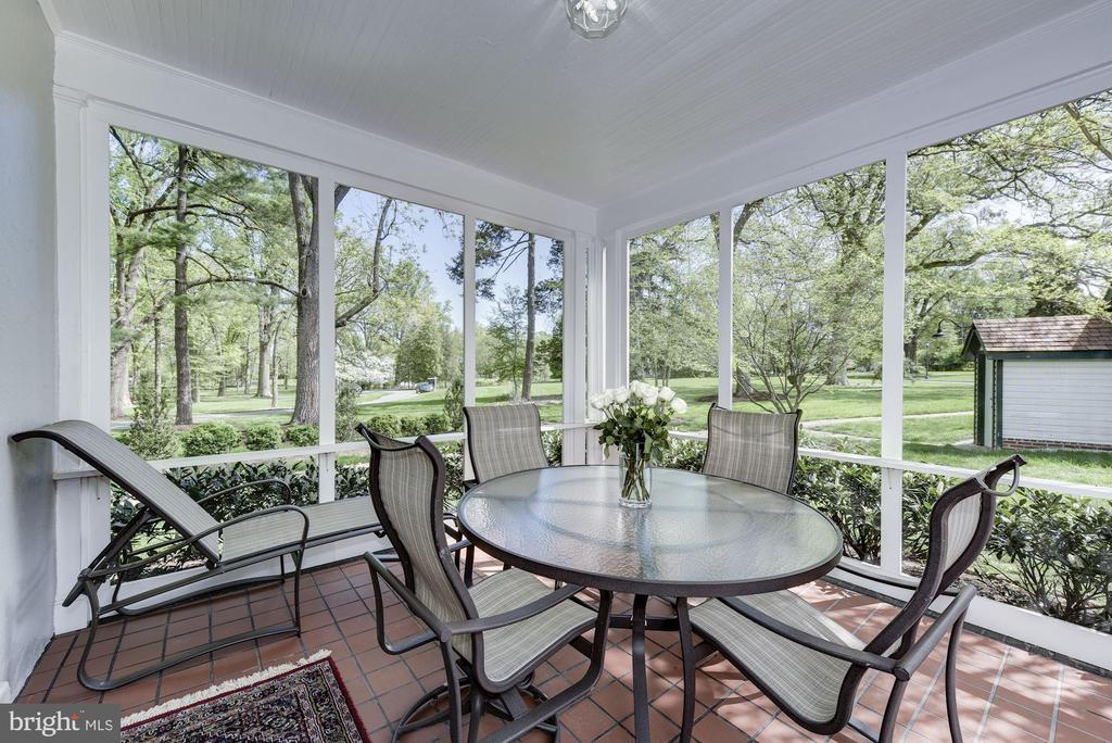 Wonderful screen porch off Great Room. - 3 BULLARD CIR, ROCKVILLE