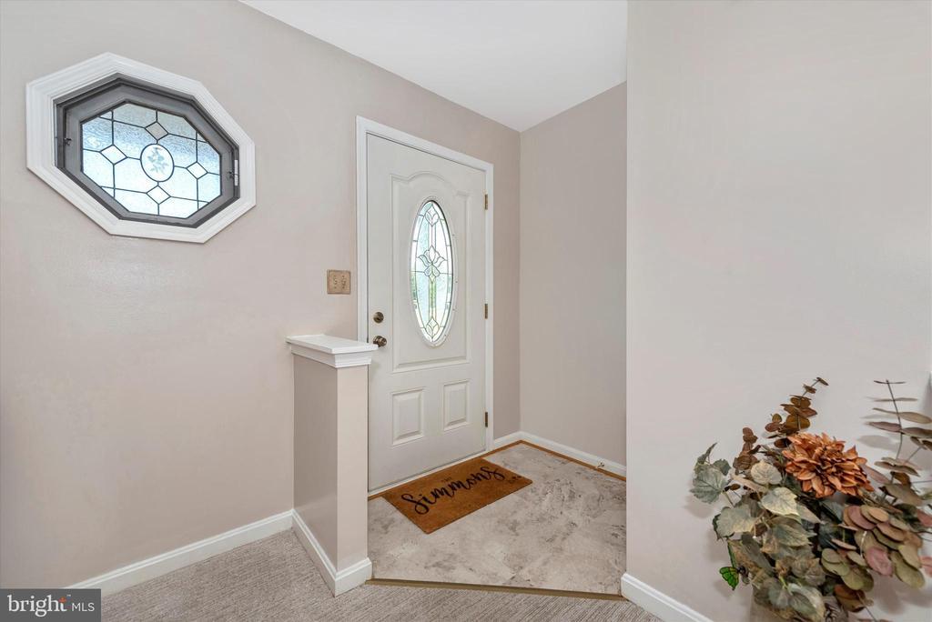 Foyer - 11902 MILLBROOKE CT, MONROVIA