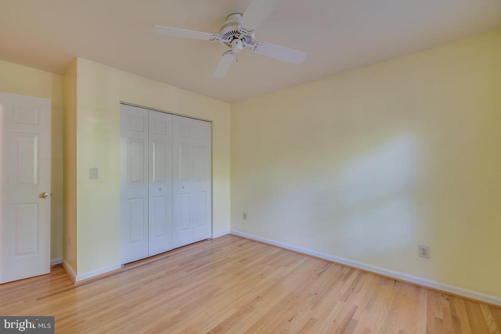 3rd Bedroom with hardwood floors - 103 BIRCHSIDE CIR, LOCUST GROVE