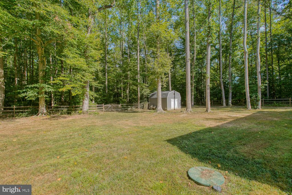 Fenced Backyard - 640 W ROCKY RUN RD, FREDERICKSBURG
