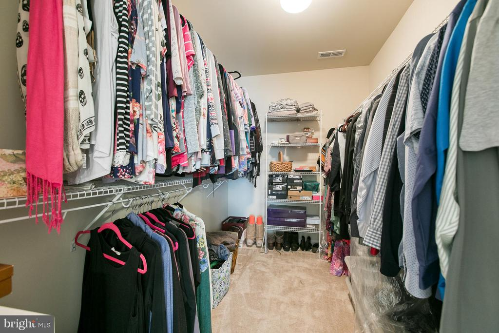 Walk In Closet - 640 W ROCKY RUN RD, FREDERICKSBURG