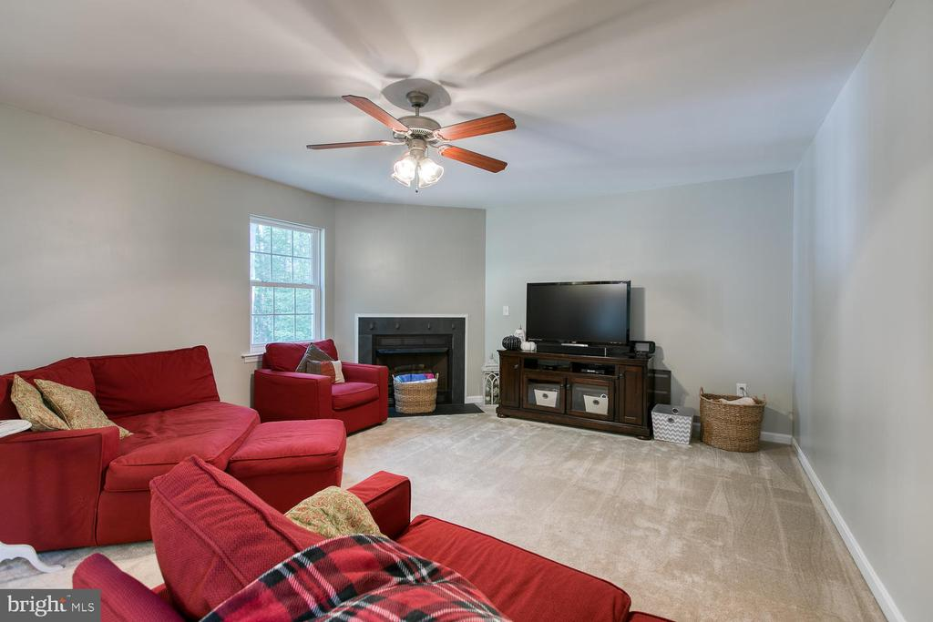 Family Room - 640 W ROCKY RUN RD, FREDERICKSBURG